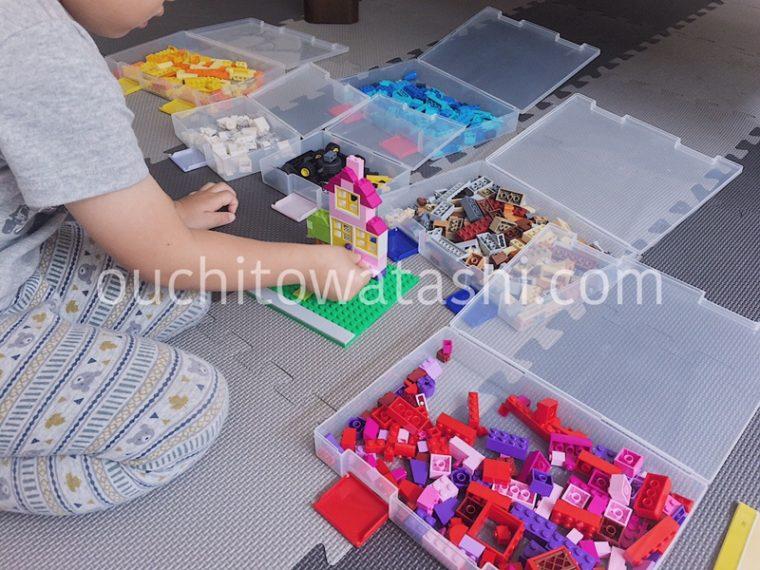 レゴを色分けすれば、ブロックを探しやすい